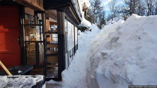 сугробы снега в Норвегии фото