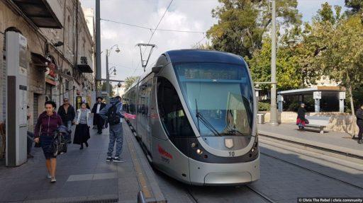 трамвай в Иерусалиме фото